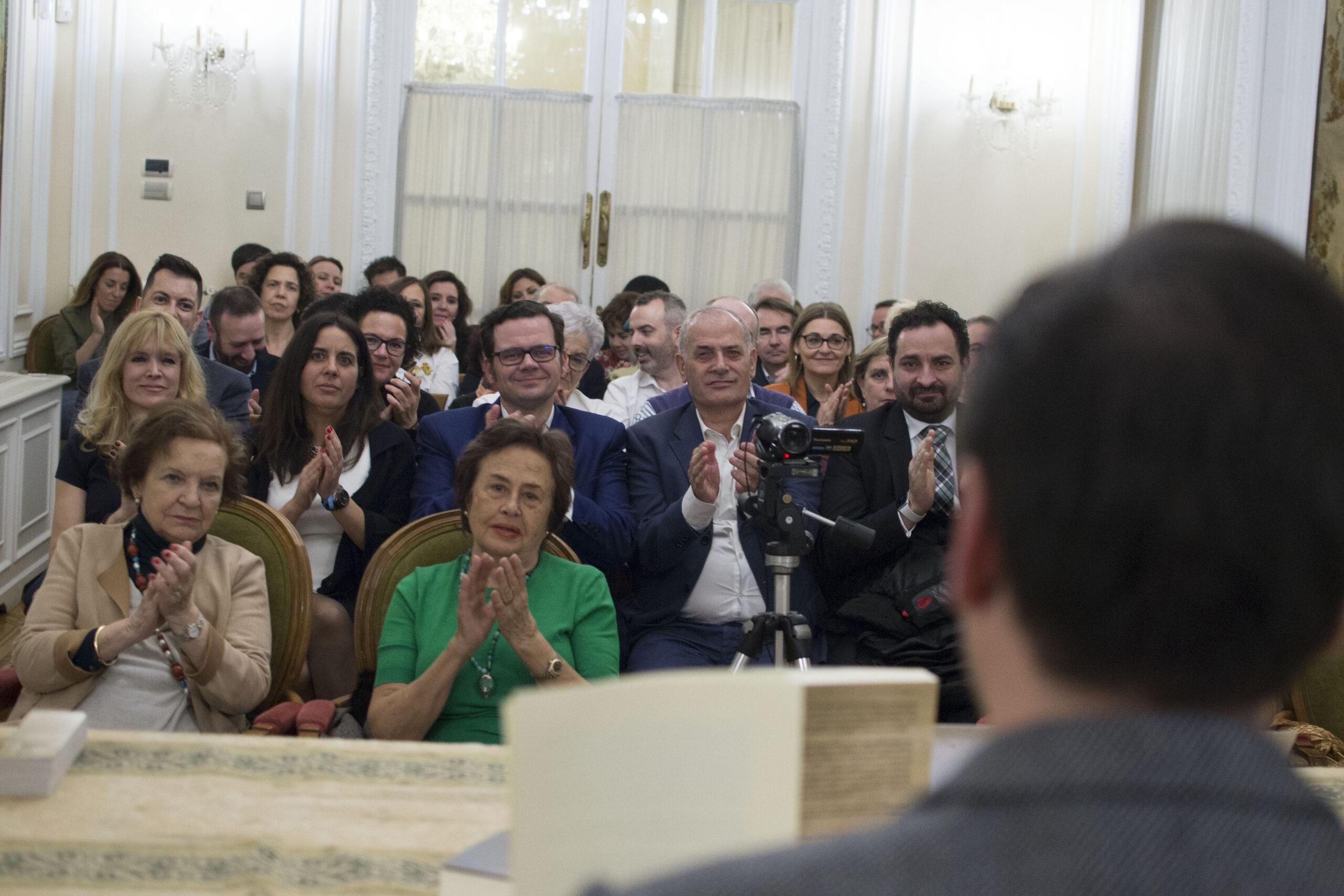 """C. Ros Cano presentó con éxito su obra literaria """"Los Tres Hermanos Valde Bocampo"""""""